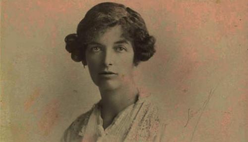 Foto Mualaf Asal Inggris: Lady Evelyn Cobbold