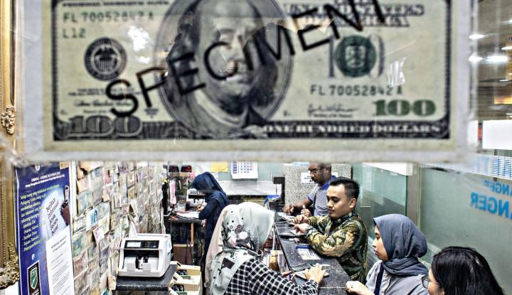 Tanpa Tedeng Aling-Aling, Rupiah Gilas Dolar AS - Warta Ekonomi