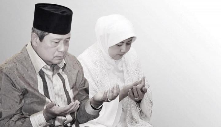 """Video SBY Persembahkan Lagu """"Kumenanti Seorang Kekasih"""" Buat Ani Viral di Medsos!"""