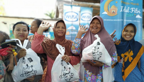 Foto Wika Distribusikan Ribuan Paket Pangan Murah ke Warga Kediri