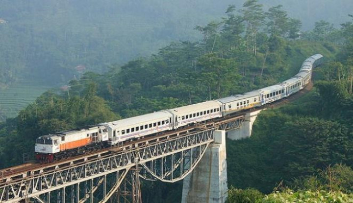 KAI Tambah Kereta Tujuan Bandung-Semarang Karena... - Warta Ekonomi