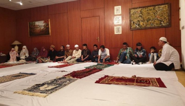 Warga Indonesia di Ethiopia Gelar Shalat Ghaib untuk Ani Yudhoyono - Warta Ekonomi