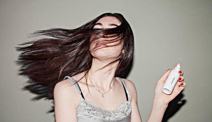 Perhatikan, Keringkan Rambut dengan Handuk Bisa Rusak Kutikula, Ini Penjelasannya - Warta Ekonomi