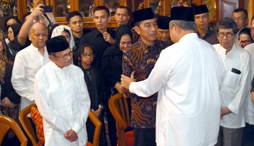 Foto Habibie Kritis, SBY Batal Hadiri Acara Demokrat