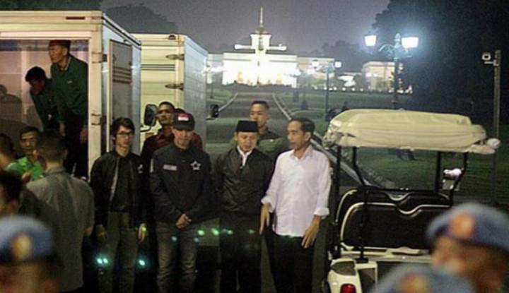 Alhamdulillah, Senang Banget Dapat THR dari Pak Jokowi - Warta Ekonomi