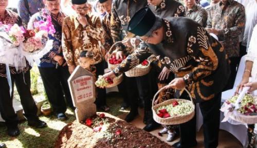Foto Tahlilan Hari ke-7 Ani Yudhoyono, Raut Wajah SBY Masih Terlihat Duka