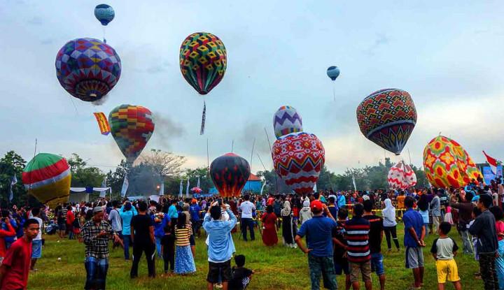 Menhub Minta Kepolisian Tertibkan Balon Udara Liar