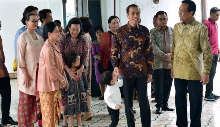 Jan Ethes Menggemaskan Banget saat Temani Mbah Jokowi Ketemu Sultan - Warta Ekonomi