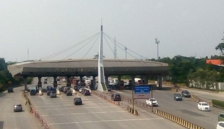 160 Ribu Kendaraan Lintasi Tol Tangerang-Merak - Warta Ekonomi