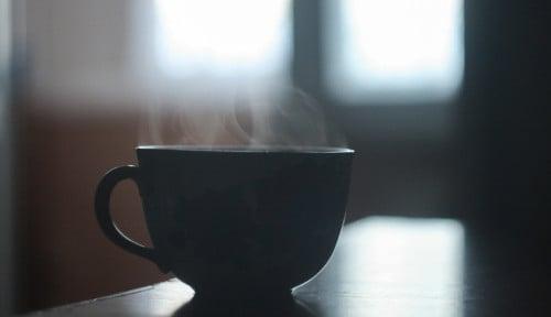 Foto Teh Matcha Setiap Pagi: Energi Berlimpah, Bahagia, dan Tetap Langsing
