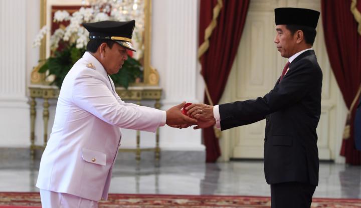 Sah! Jokowi Lantik Gubernur Lampung Terpilih - Warta Ekonomi