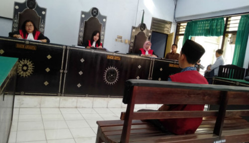 Foto Hina Presiden Jokowi, Juru Parkir Dihukum 6 Bulan Penjara