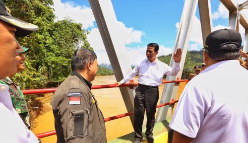 Foto Himpun Bantuan Rp12 Miliar, Mentan Jamin Bangun Kembali Pertanian di Konut