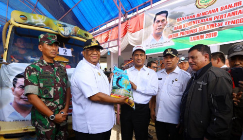 Foto Kementan Bantu Benih, Bibit, dan Bahan Pokok untuk Korban Banjir Sultra