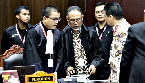 Foto Sambangi LPSK, Tim Hukum Prabowo Minta. . .