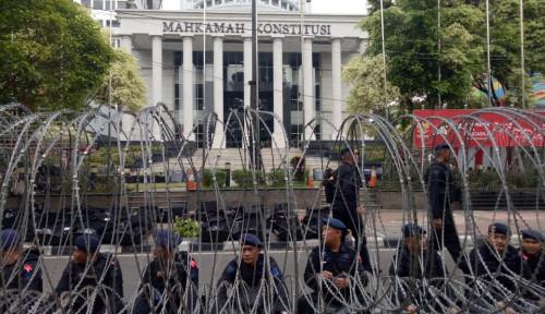 Foto Halalbihalal Masa di MK? Jelas Polisi Larang Lah!