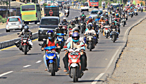 Ribuan Pemotor Padati Arus Kendaraan ke Jakarta
