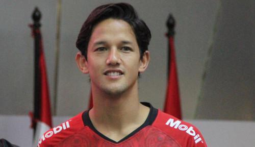 Foto Persib Bandung atau Madura United yang Akan Dipilih Irfan Bachdim?