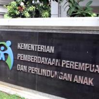 Mantap, Kementerian PPPA Serahkan 1.928 Paket Kebutuhan Anak