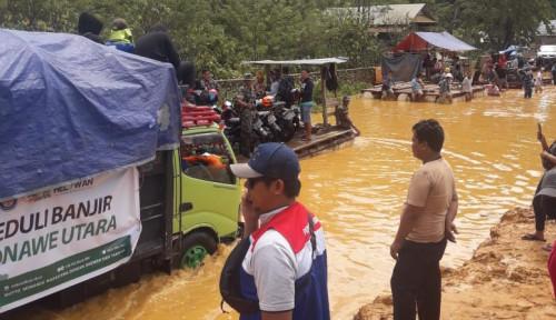 Foto Pertamina Serahkan 2.500 Paket Makanan Korban Banjir Konawe