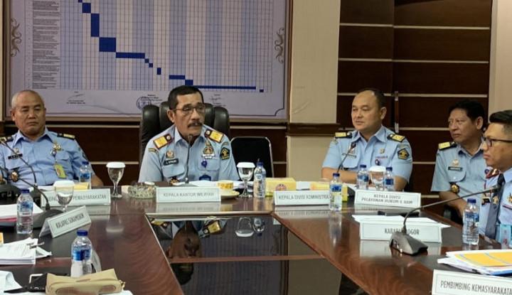 Papa Novanto Plesiran, Dua Petugas Lapas yang Kena Getahnya - Warta Ekonomi