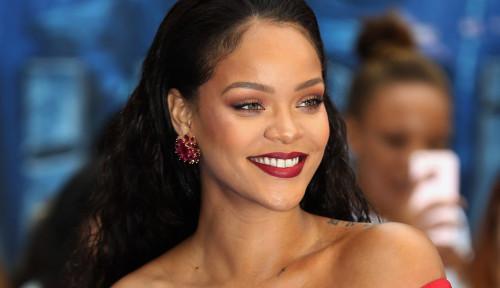 Foto Mantra Sukses ala Rihanna, Musisi Terkaya di Dunia