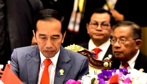 Foto Hari Putusan MK, Jokowi Tetap Beraktivitas Biasa di Istana