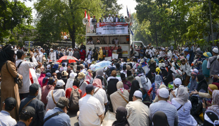 Pasrah Prabowo Kalah, Massa Aksi MK Bubarkan Diri - Warta Ekonomi