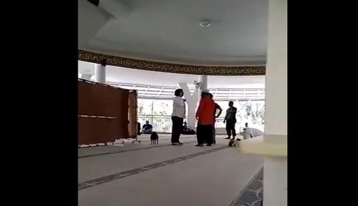 Wanita Bawa Anjing ke dalam Masjid, Kemenag Bilang...