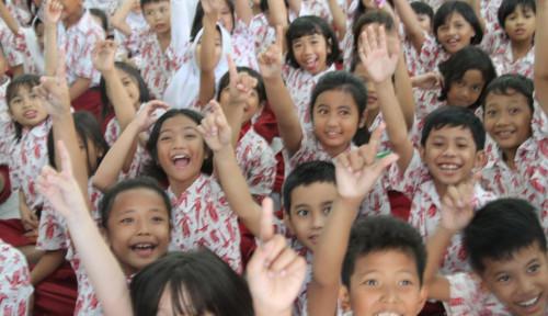 Foto Kritisi Kebijakan Nadiem, Pakar: Indonesia Perlu Belajar dari Runtuhnya Uni Soviet