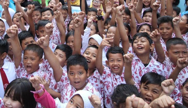 Pembukaan Kembali Sekolah saat Pandemi Sangat Berbahaya bagi Siswa, Guru, dan Orang Tua Apabila....