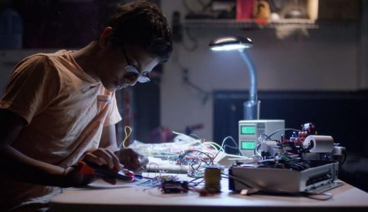 Berawal dari Hobi, Remaja Ini Berhasil Ciptakan Braigo, Printer Braille dari Leggo - Warta Ekonomi