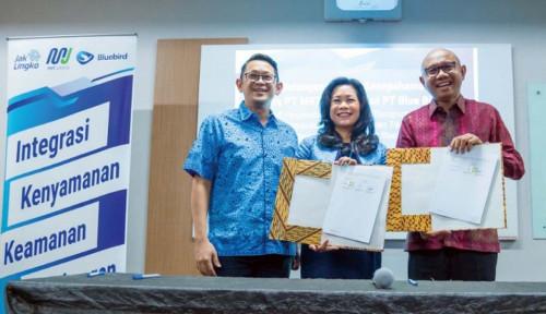 Foto MRT Jakarta dan Blue Bird Siapkan Transportasi Terintegrasi