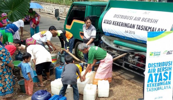Kekeringan Melanda Tasikmalaya, ACT Distribusikan Puluhan Ribu Liter Air - Warta Ekonomi