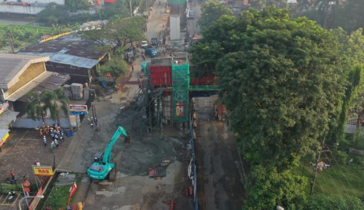 Waduh, Cor Beton Proyek Jalan Tol BORR Tumpah. Ini Penjelasan Jasa Marga - Warta Ekonomi