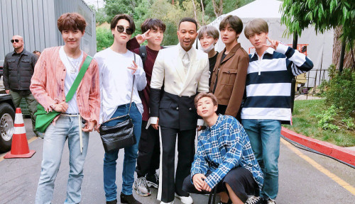 BTS Bawa Pulang Dua Penghargaan American Music Awards 2020