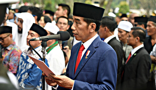 Foto Jokowi Tanya Maksud PKB Adakan Muktamar di Bali
