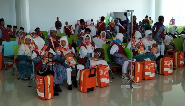 449 Calhaj Kloter I Embarkasi Balikpapan Menuju Madinah - Warta Ekonomi