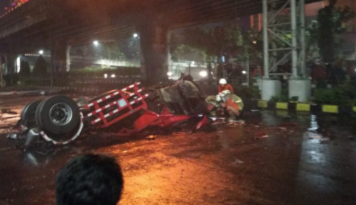 Foto Kecelakaan di Tol Rawamangun, PT Pertamina Patra Niaga Sudah Bertindak Benar