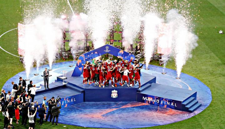 Salah, Mane, Van Dijk Bersaing Jadi Pemain Terbaik FIFA