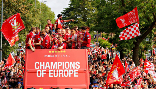 Foto Kasihan Liverpool, Sempat Dapat Kabar Baik, eh Liga Inggris Ditunda Sampai Batas Waktu Gak Jelas