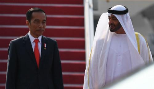 Foto Jokowi Ajak Putera Mahkota UEA Keliling Bundaran HI