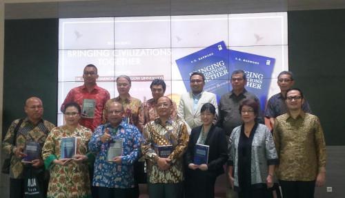 Foto Chairman Jababeka Beri Pandangan Masa Depan Indonesia Lewat Buku