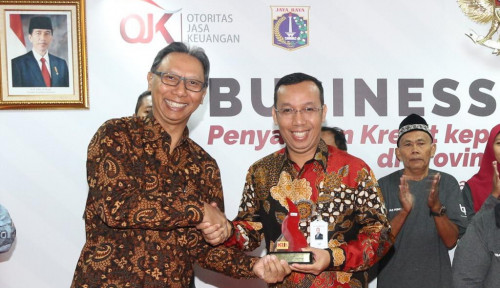 Foto Bank DKI Salurkan Kredit Mikro Massal