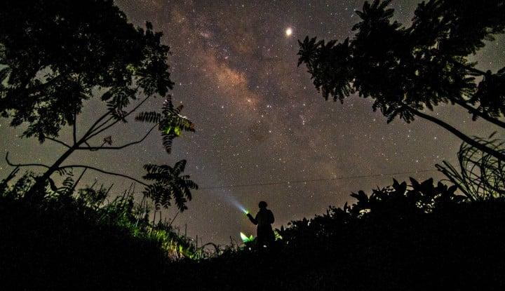 Wuihh, Astronom Temukan Galaksi Raksasa Langka - Warta Ekonomi