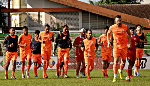 Foto Dejan Antonic Siap Isi Kekosongan Pelatih Persija