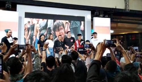Foto Bintang Film Gundala Adakan Meet and Greet di Bogor
