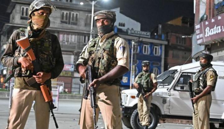 Aparat India Memblokade Srinagar di Hari Idul Adha - Warta Ekonomi