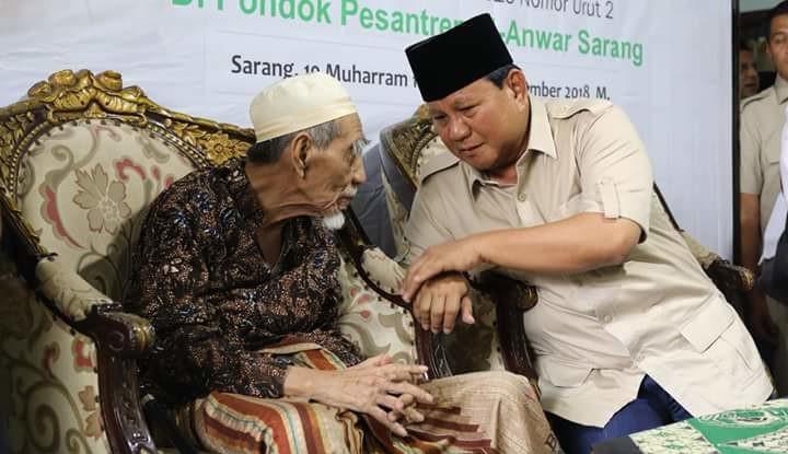 Prabowo Kenang Nasihat Mbah Moen, Isinya Bikin Hati Bergetar - Warta Ekonomi