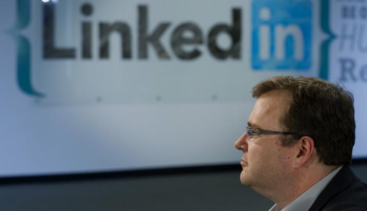 Pria Ini Kaya Raya Berkat LinkedIn, Simak Kisahnya - Warta Ekonomi